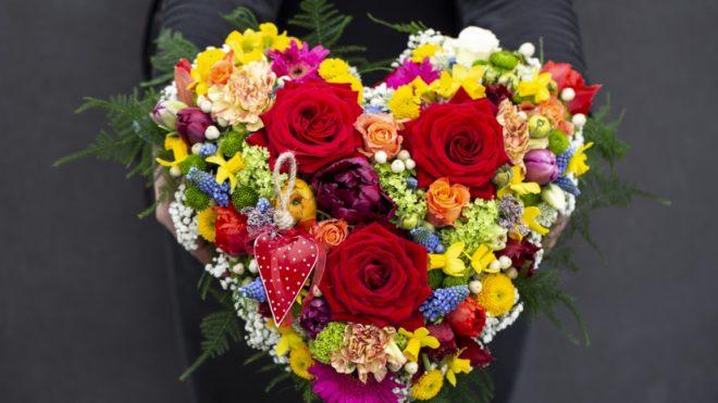 Women's Day & Communion: arrangement ideas for professional florists