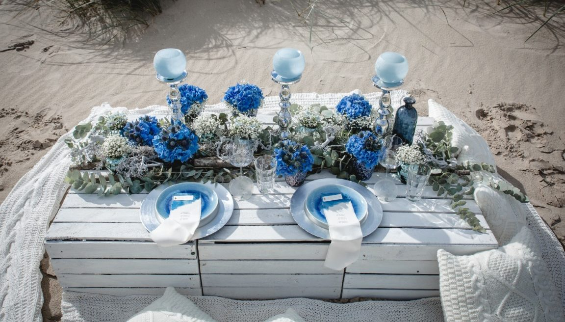 Wedding inspiration for professional florists: 'Vitamin Sea'